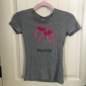 Tops - Hollister graphic tee